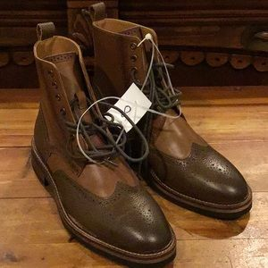 NWT MENS EXPRESS BROWN WINGTIP LACE UP BOOTS
